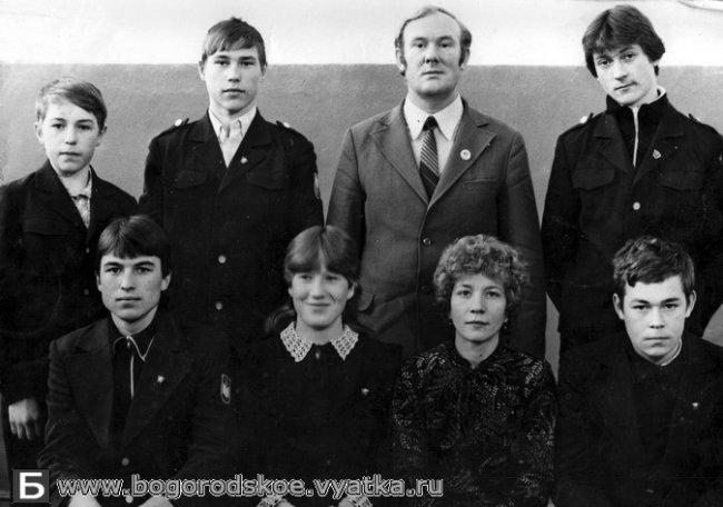 Выпускники Ошланской средней школы 1987 года.