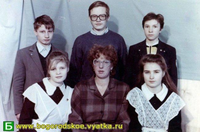 Выпускники Ошланской средней школы 1993 года.
