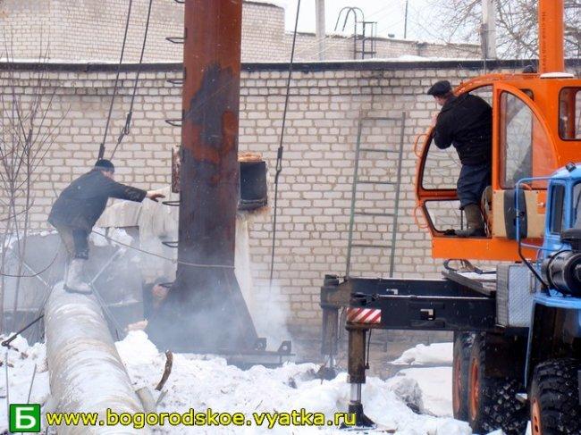 Фоторепортаж о замене самой высокой трубы в нашем поселке. Март 2009
