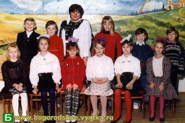 Выпускники Таранковской средней школы 2004 года.