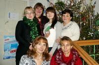 Коллектив магазина «Елена» поздравляет земляков с наступающим новым годом!