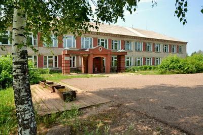 О проблемах с ремонтом школы в п. Богородское в Кирове не слышали!