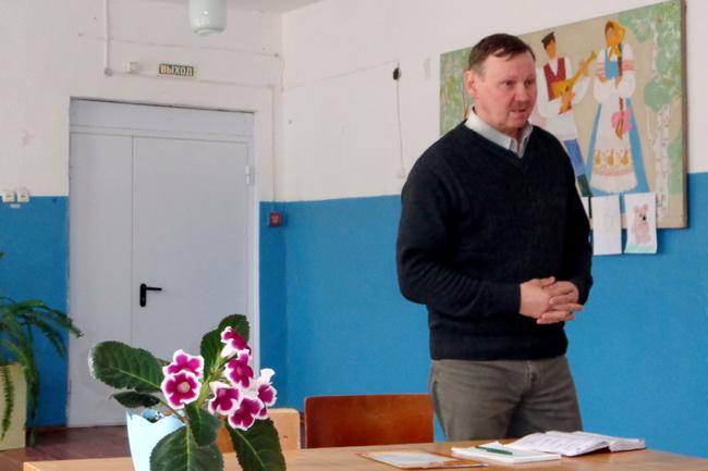 Состоялась долгожданная встреча жителей села с. Ухтым с главой Ошланского сельского поселения