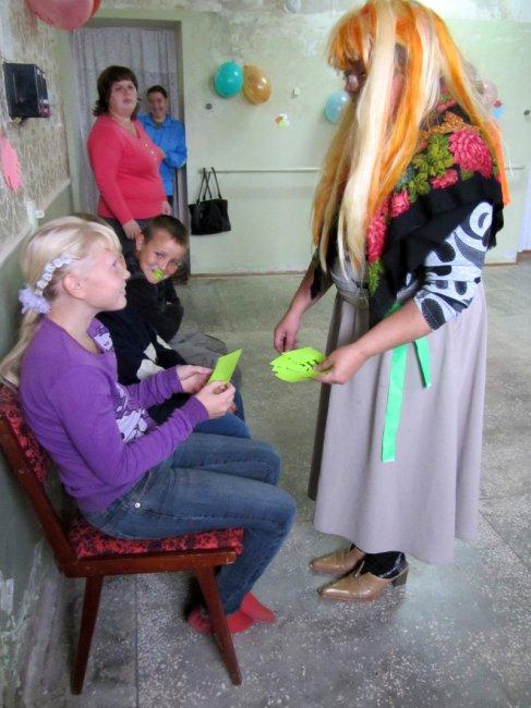 Центр социальной помощи семье и детям устроили праздник для детей из малообеспеченных семей