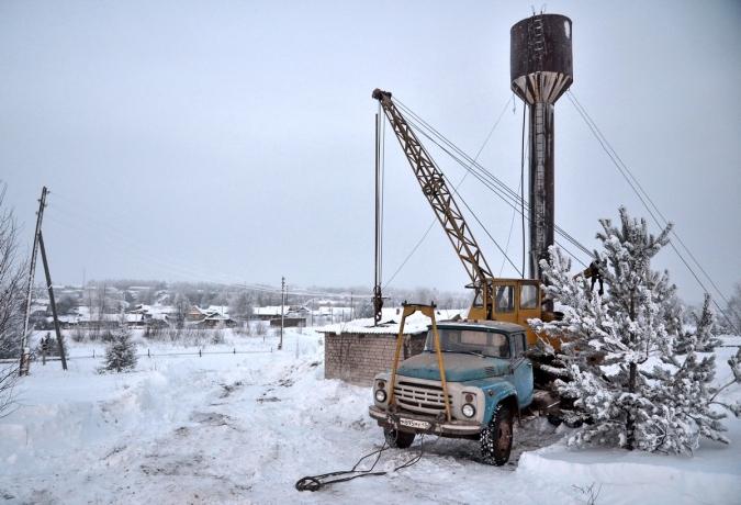 """В тридцатиградусный мороз  рабочие OOO """"СТИМУЛ"""" восстанавливали водоснабжение в п. Богородское"""