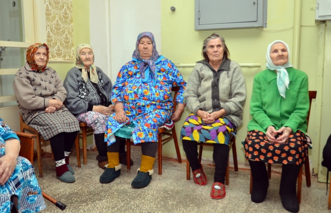 """Жители """"дома ветеранов"""" узнали про МФЦ"""
